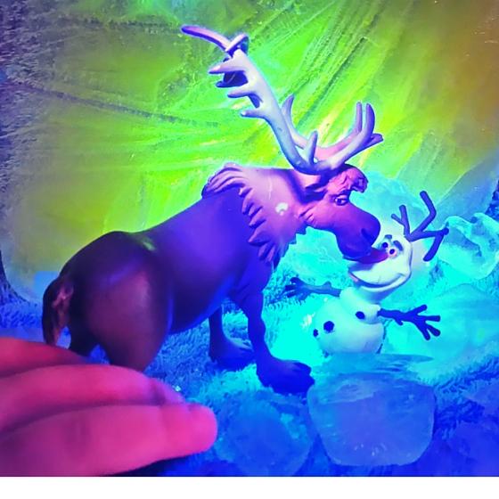 Leuchtwasser Eispalast Olaf