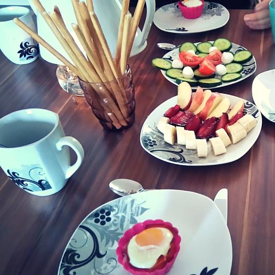 Frühstück mit Schinken-Ei-Muffins