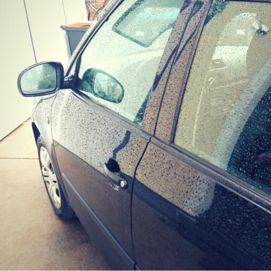Regen auf Auto