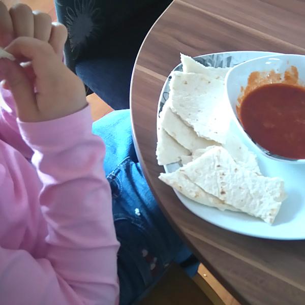 Wraps dippen in Sauce