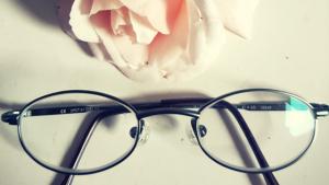 kinderbrille-jonas-guenstige-brille-brillenkind-guter-optiker-fuer-kinderbrillen