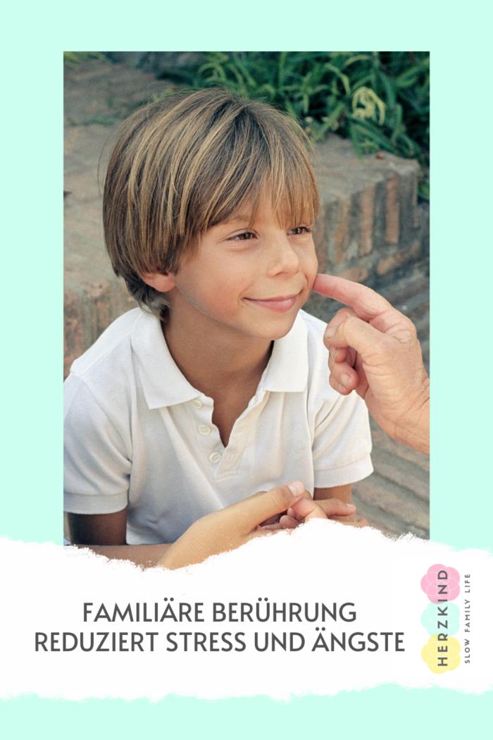 Stress reduzieren Berührung Eltern Kind Beziehung
